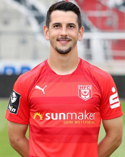 Julian Derstroff