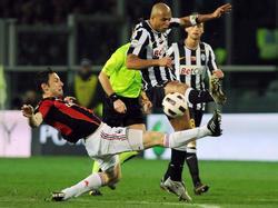Van Bommel grätscht in die Serie A