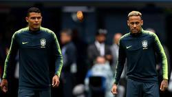Thiago Silva y Neymar en un duelo del Mundial de Rusia 2018. (Foto: Getty)
