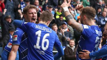 Arminia Bielefeld führt die Tabelle der 2. Liga an