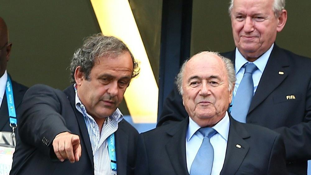 Platini (l.) und Blatter werden Betrug vorgeworfen