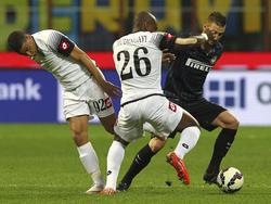 Kuzmanovic (dcha.) y el Inter solo empataron ante el Cesena. (Foto: Getty)