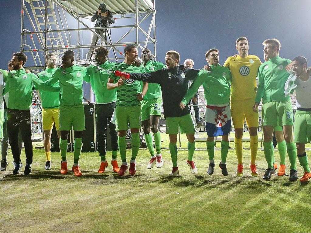 Der VfL Wolfsburg spielt auch in der kommenden Spielzeit Fußball in der Bundesliga