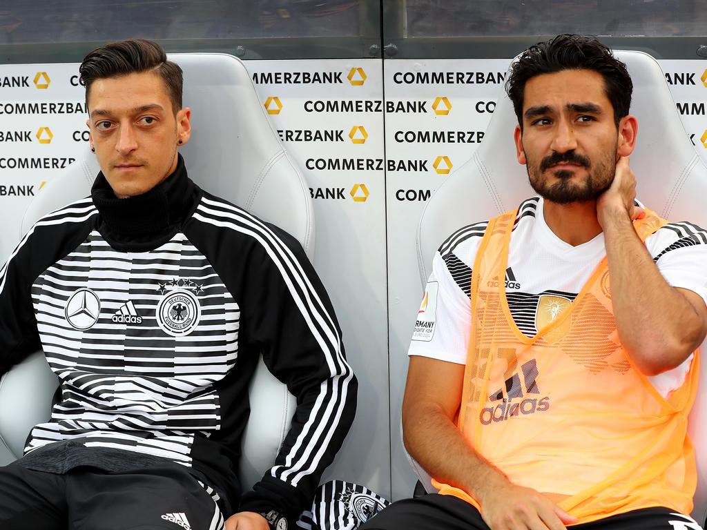 Gündogan und Özil stehen weiterhin in der Kritik
