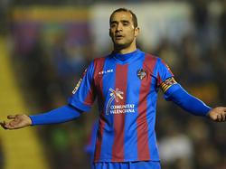 El veterano Juanfran seguirá siendo jugador del Levante durante un año más. (Foto: Getty)