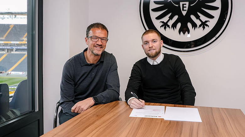 Nils Stendera erhält bei Frankfurt einen Profivertrag