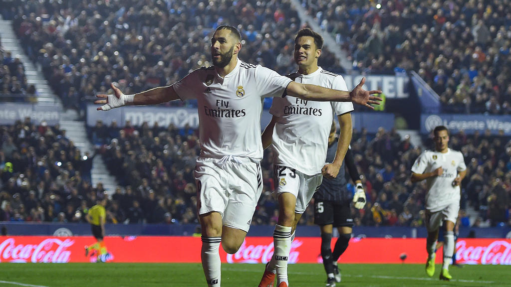 Benzema convirtió uno de dos penaltis a favor del Madrid. (Foto: Getty)