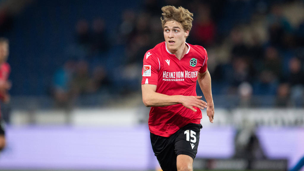 Timo Hübers Hannover 96