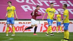 Adam Hlozek (M.) wird beim FC Bayern und beim BVB gehandelt
