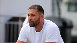 Kevin Kurányi blickt auf den FC Schalke 04