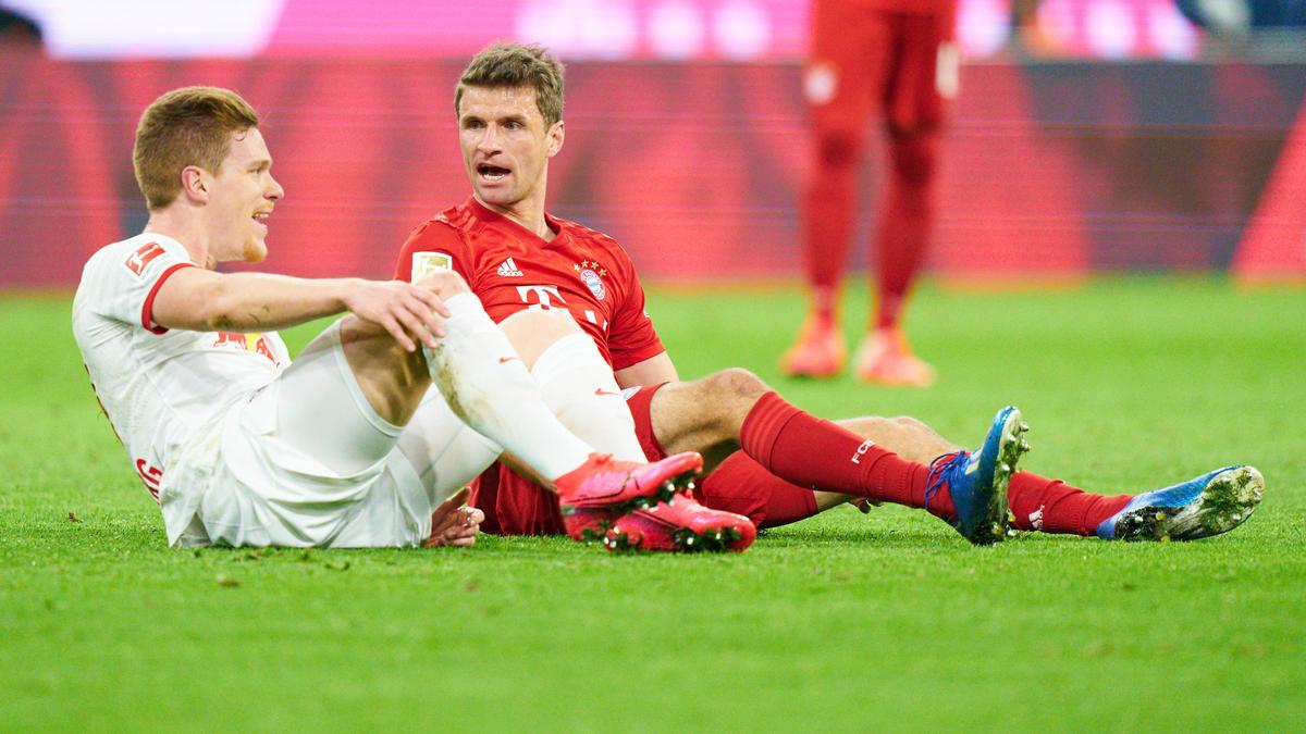 Halstenberg (li.) würde gern mit Müller zusammenspielen