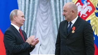 Wladimir Putin hat Stanislav Cherchesov einen Orden verliehen