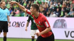 Freiburgs Roland Sallai bejubelt sein Tor zum 1:0 gegen den VfL Wolfsburg