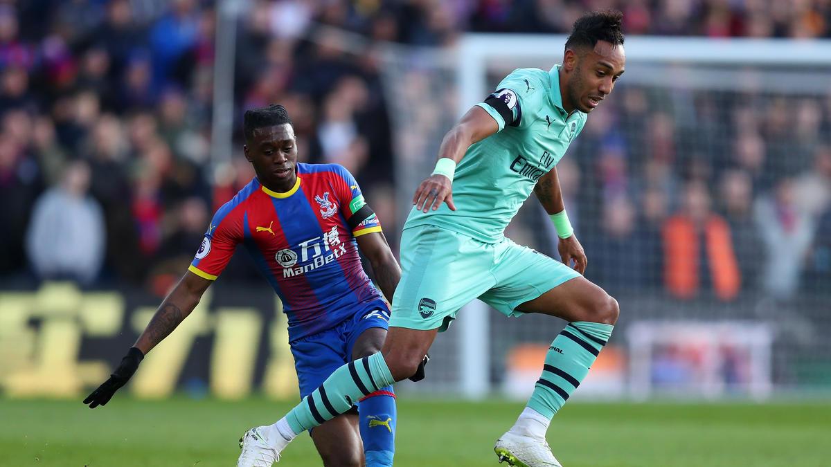 Aaron Wan-Bissaka (l.) könnte bald zusammen mit Pierre-Emerick Aubameyang bei Arsenal spielen