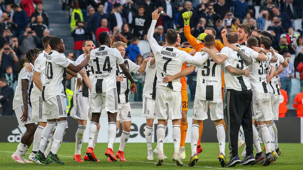 CR7 (M.) feiert mit Juventus Turin die Meisterschaft in Italien
