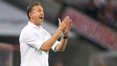 Kölns Trainer Achim Beierlorzer kündigt eine mutige Spielweise in München an