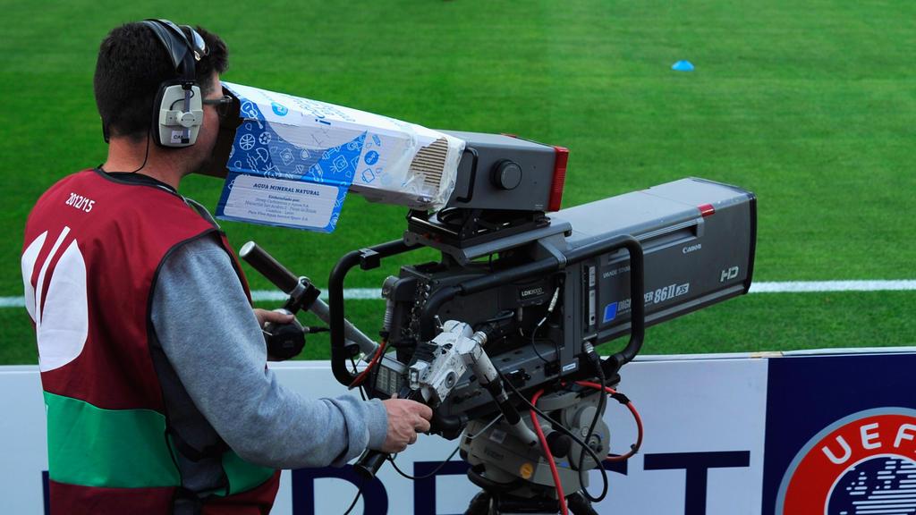 Die UEFA wirft die TV-Rechte für die Europapokal-Saisons 2021/22 bis 2023/24 in Kürze auf den Markt