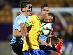 Mauro Arambarri (izq.) durante el Mundial Sub-20. (Foto: Getty)