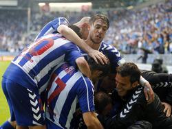 Los jugadores del Alavés celebran un tanto en la victoria contra el Numancia. (Foto: Imago)