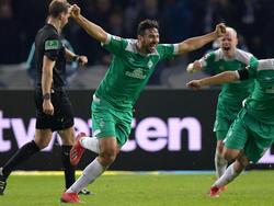 2019 Der Bremer Claudio Pizarro (40) schreibt mit seinem Last-Minute-Treffer beim 1:1 bei der Hertha als ältester Bundesligatorschütze Geschichte.