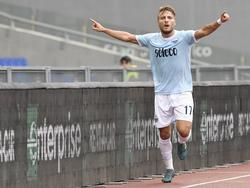 Ciro Inmobile celebra un gol con el cuadro romano. (Foto: Getty)