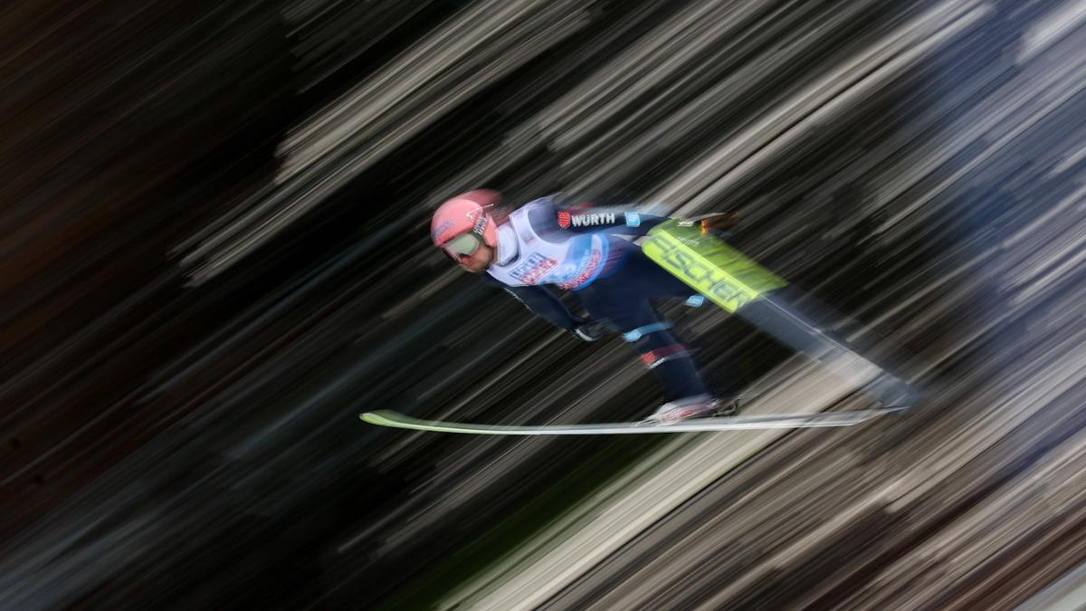 Pius Paschke springt als bester Deutscher auf Rang 8