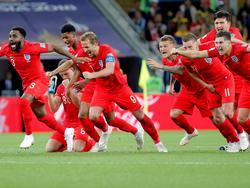 Los ingleses celebran el pase a cuartos de final del Mundial. (Foto: Getty)