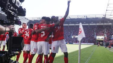FSV Mainz 05 feiert den Klassenerhalt in der Fußball-Bundesliga