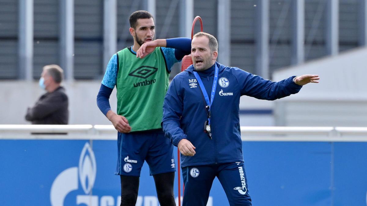 Manuel Baum hat beim FC Schalke 04 noch viel Arbeit vor sich