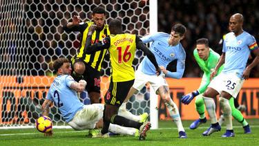 Manchester City schlägt den FC Watford knapp