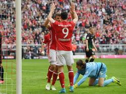 Müller (l.) traf gegen Augsburg doppelt, Lewandowski sogar dreifach