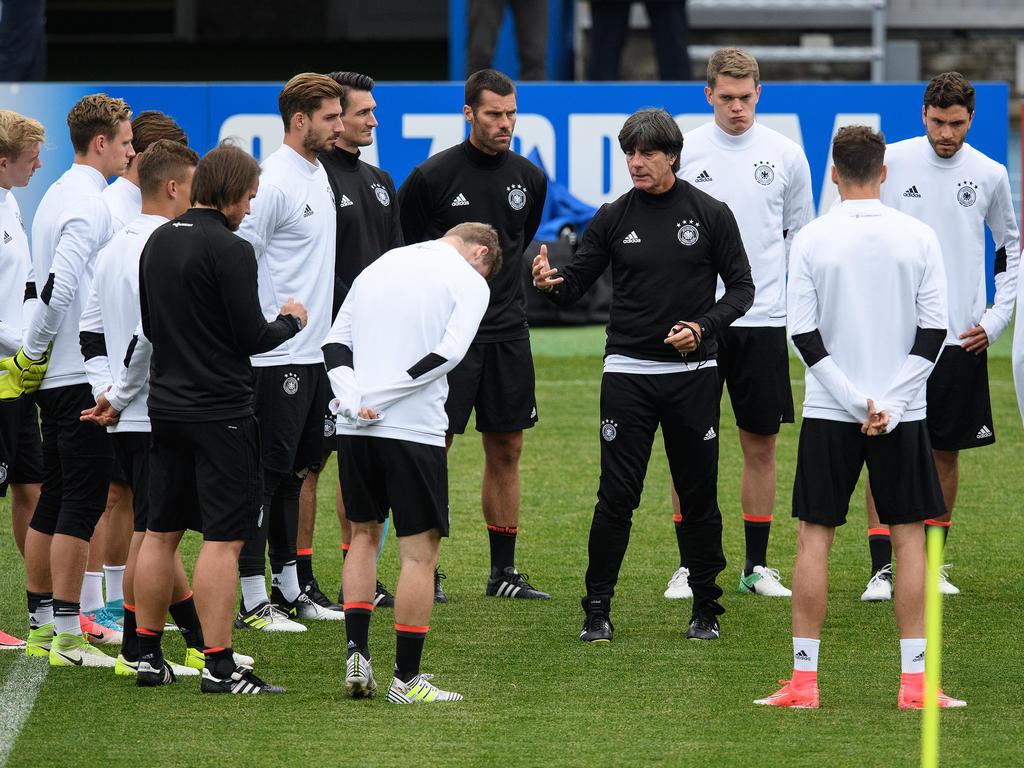 Joachim Löw trifft mit der deutschen Nationalmannschaft im Confed-Cup-Finale auf Chile