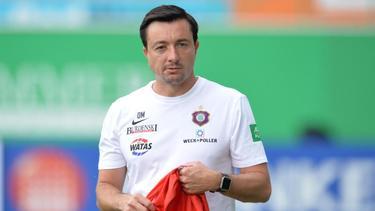 Steht in Aue wieder auf dem Trainingsplatz: Trainer Daniel Meyer