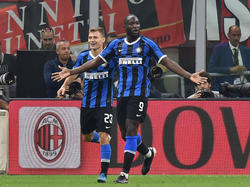 Lukaku celebra un tanto ante el AC Milan.