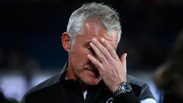 Hannovers Trainer Mirko Slomka steht vor dem Auswärtsspiel bei Dynamo Dresden gehörig unter Druck