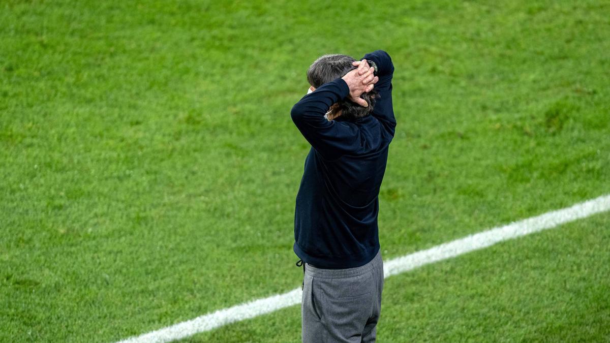 Erlebte mit der deutschen Nationalmannschaft einen weiteren Rückschlag: Bundestrainer Joachim Löw