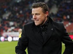 Blijdschap bij Heracles Almelo trainer John Stegeman na de gewonnen wedstrijd tegen FC Utrecht in de Eredivisie. (07-12-14)