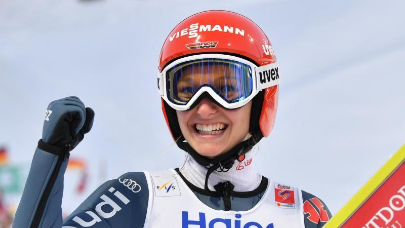 Skispringerin Katharina Althaus hatte im Einzel WM-Silber gewonnen