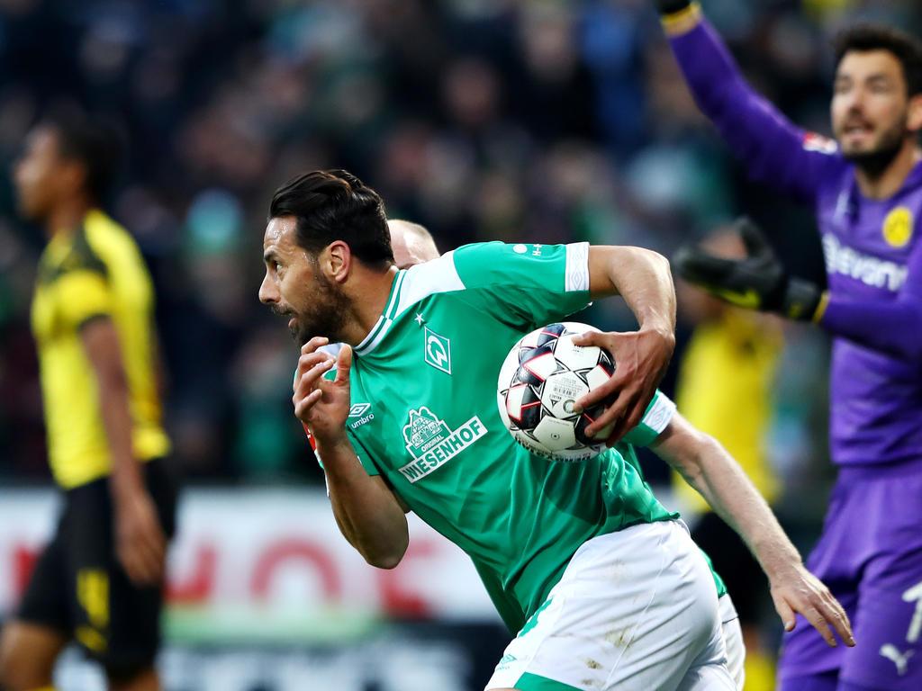 Claudio Pizarro leistete den Bayern indirekt Schützenhilfe