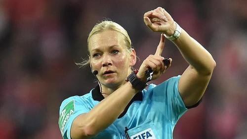 Pfeift als erste Schiedsrichterin ein Endspiel um den Supercup: Bibiana Steinhaus