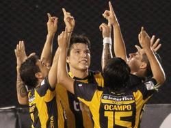 Die Spieler von Guaraní bejubeln den Kantersieg über Táchira