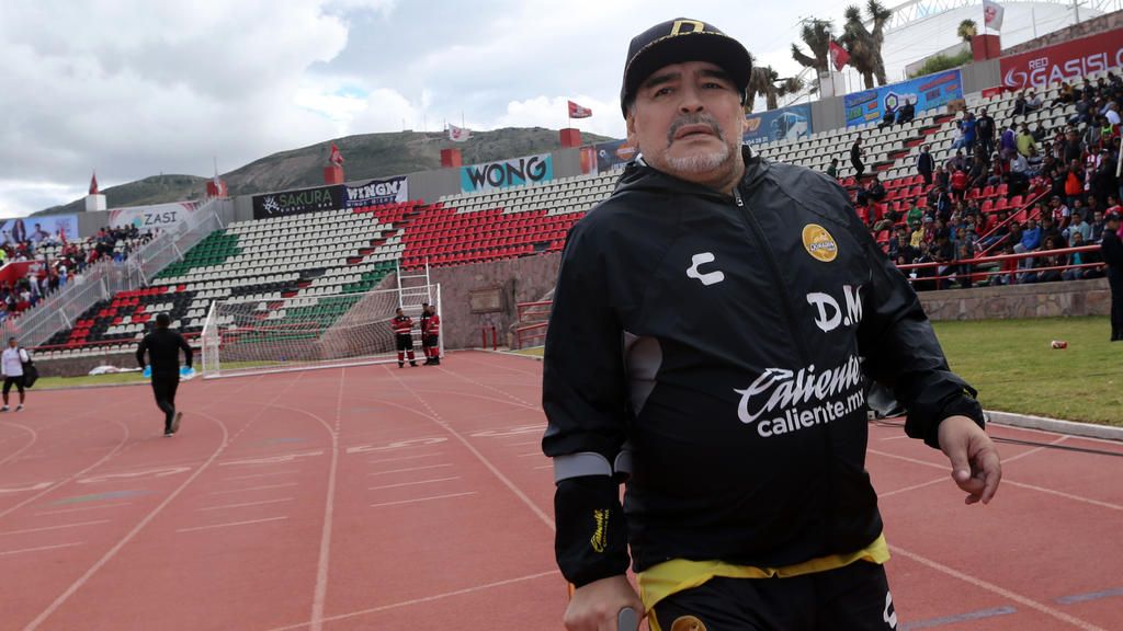 Nach seiner Magen-OP ist Diego Maradona auf dem Weg der Besserung