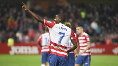 Adrián Ramos steigt mit Granada auf