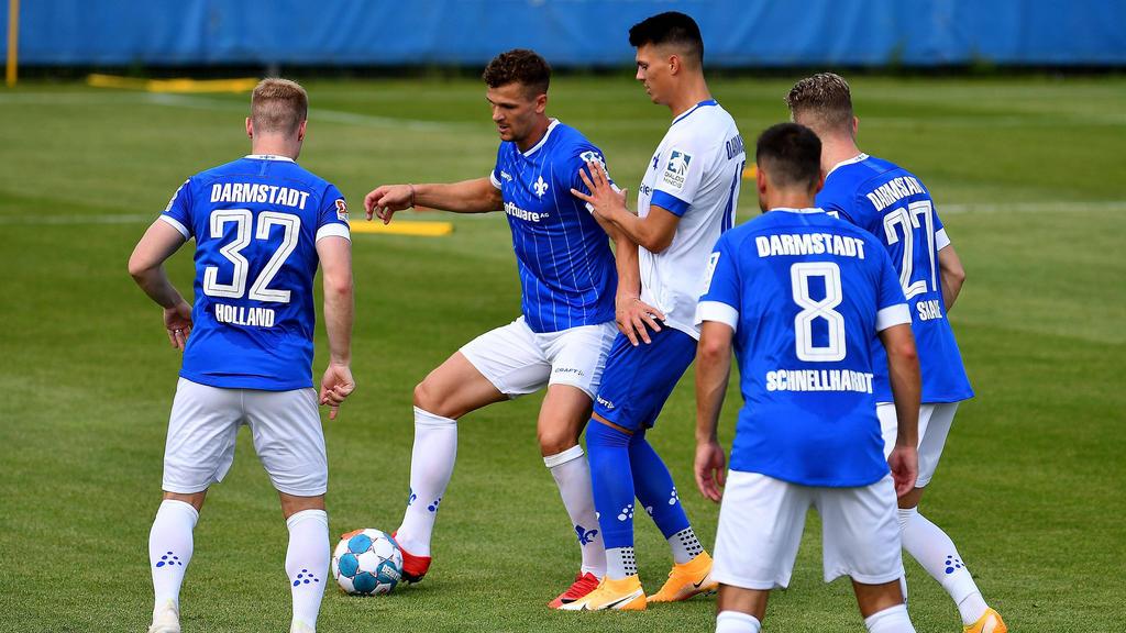 Drei namentlich nicht genannte Spieler des SV Darmstadt 98 wurden positiv getestet