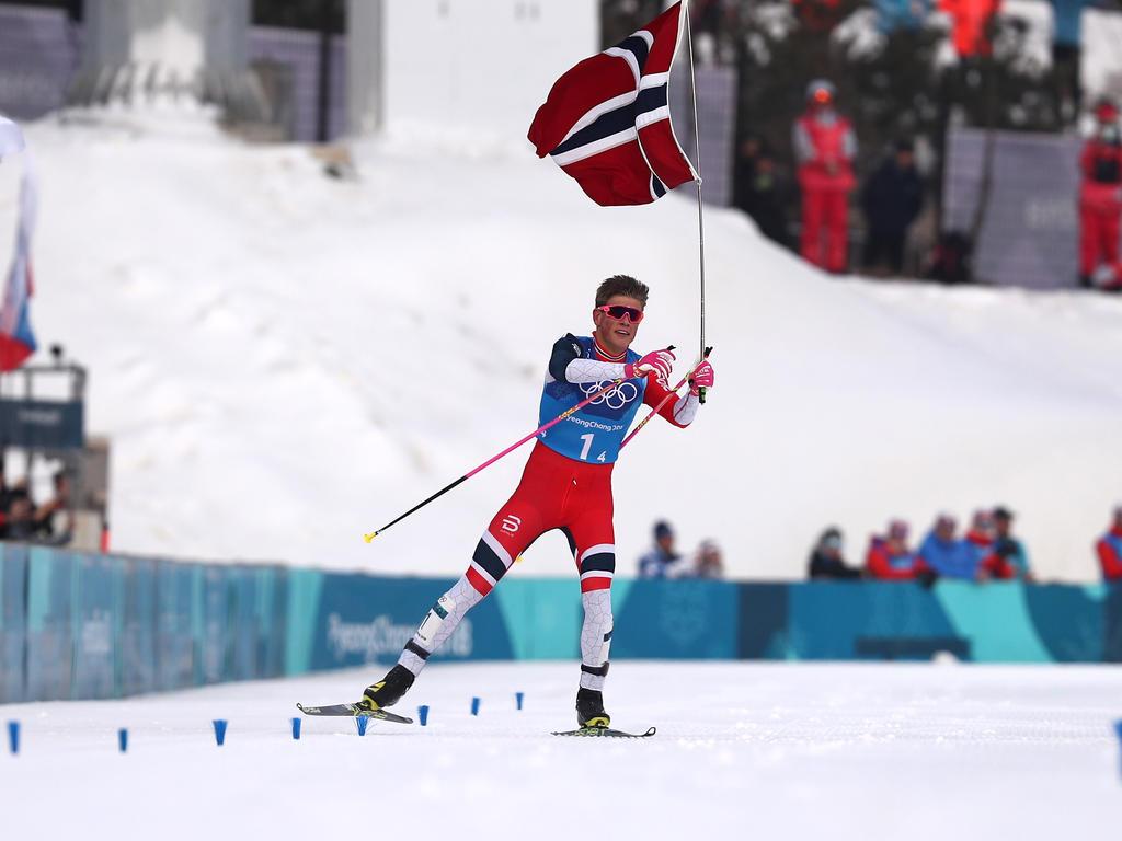 Johannes Kläbo jubelte nach dem 4x10-Kilometer-Rennen