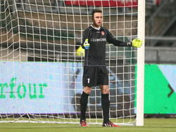 Luuk Koopmans zet zijn muur neer tijdens het competitieduel Roda JC Kerkrade - FC Oss. (01-12-2014)