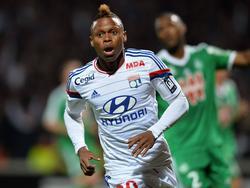 N'Jie feiert seinen Führungstreffer im Derby gegen Saint Etienne