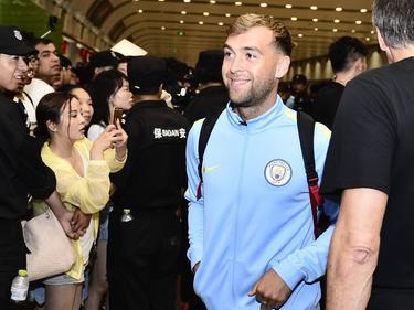 James Horsfield arriveert met de selectie van Manchester City in Beijing (22-07-2016).