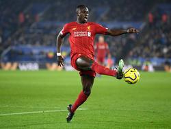 Sadio Mané marca un tanto con el Liverpool.