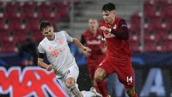 Treffen sich wohl bald in der Bundesliga wieder: Dominik Szoboszlai (r.) und Bayern-Profi Joshua Kimmich